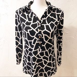 Alfani black and white blouse